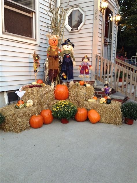 Decorating Ideas For Fall Outside by Outdoor Fall Decor Fall Decor Diy Fall Yard Decor