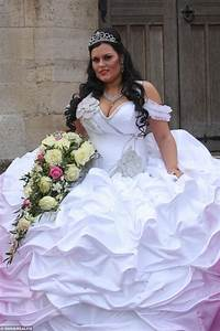 You wont believe the WEIGHT and COST of this bride's dress ...