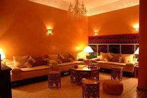 Couleur De Peinture Pour Salon : couleur pour un salon marocain ~ Melissatoandfro.com Idées de Décoration