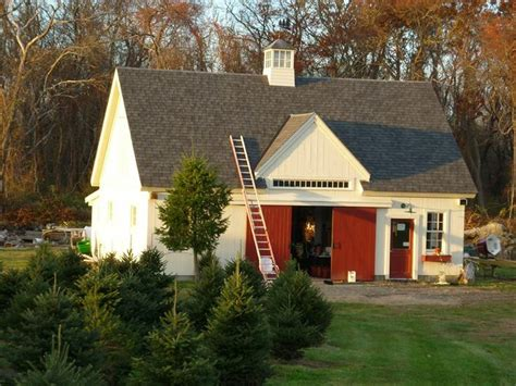 best christmas tree farm ri 19 best cape cod homes images on cape cod style house cape cod homes and cape cod