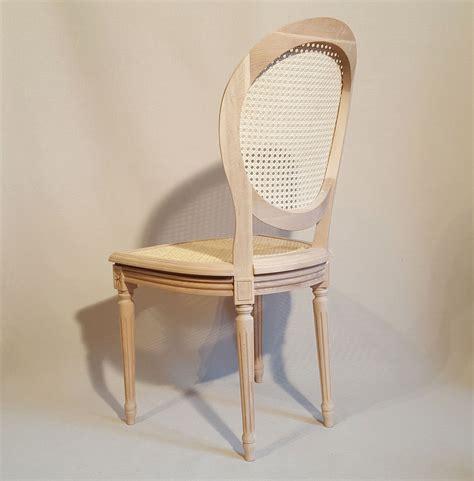 chaise louis 16 chaise louis xvi medaillon cannee les beaux sièges de