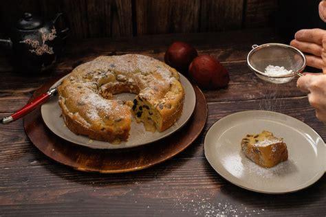 pear  raisin bundt cake     fruity bundt cake