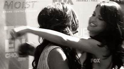 Gifs Gomez Hugging Selena Friends