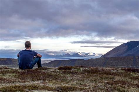 foto gratis natura persona scenico cielo nuvole erba