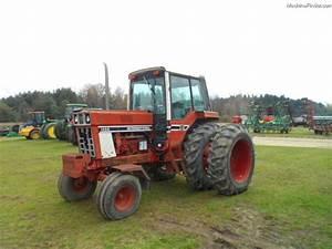 1977 International Harvester 1086 Tractors - Row Crop   100hp