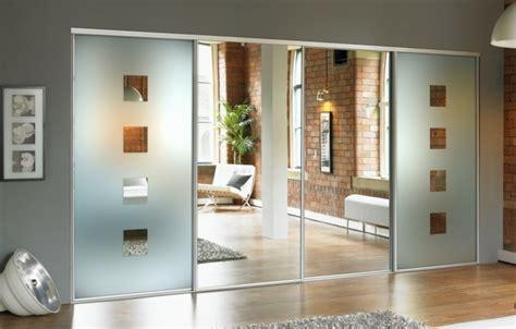 porte vitrée coulissante armoire 2 portes coulissantes pour un style de rangement