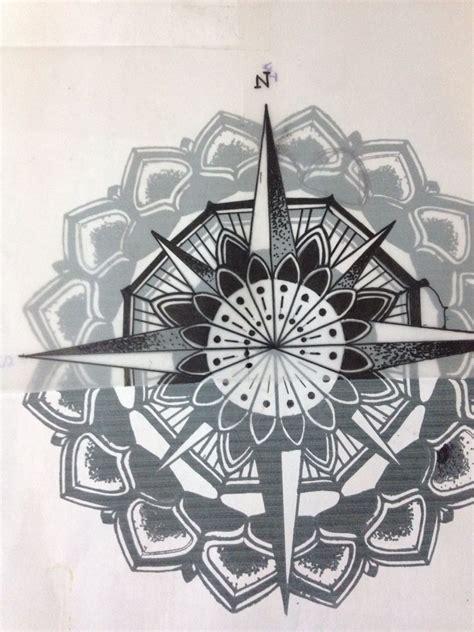 tatouage rose des vents mandala