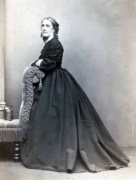 pictures of the victorians the age of uncertainty more victorian photographs