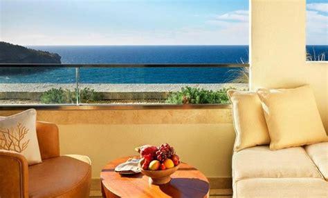 hotel ou chambre d hote hôtel gîte ou chambre d 39 hôtes quel hébergement choisir