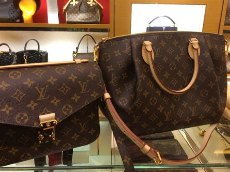 decisions decisions louis vuitton metis pm  turenne mm cheap louis vuitton bags vuitton