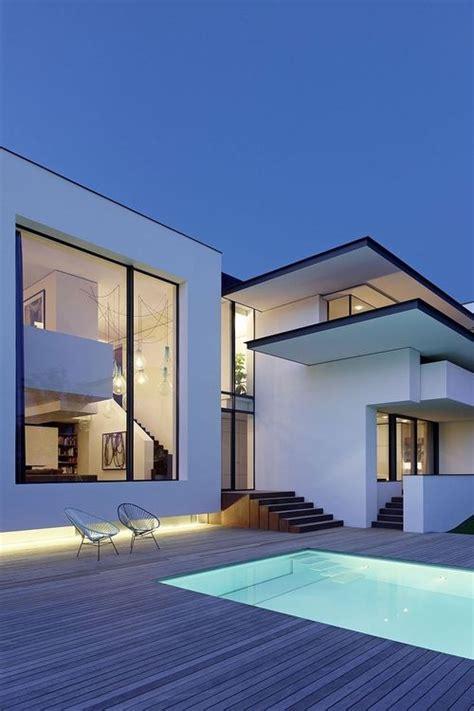 Moderne Häuser Innenarchitektur by Stylebylene Stylebylene Architektur Haus