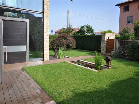 ingresso abitazione giardino con vasca d acqua progettazione giardini