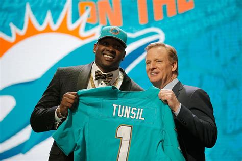 An Inappropriate Tweet Cost Laremy Tunsil $8-13 Million At ...