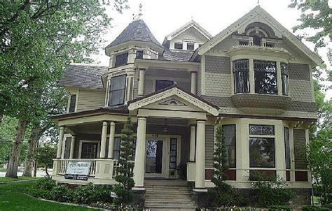traditional folk victorian house colors house style design