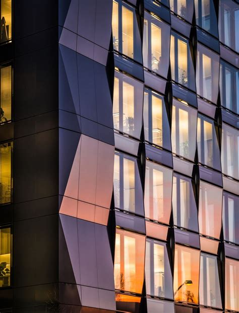 View a detailed profile of the structure 109070 including further data and descriptions in the emporis database. Mercedes Benz Zentrale Berlin by Benjamin Brosdau   Commercial architecture, Architecture ...