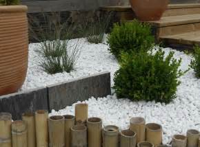 Jardin Cailloux Blancs by Parterre Avec Cailloux Les Diff 233 Rents Types De Paillage