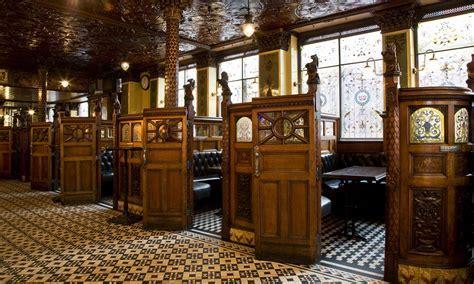 The Crown Liquor Saloon, Belfast, County Antrim   Ireland.com