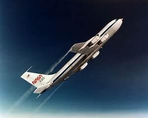 File:NASA parabolic flight.jpg - Wikimedia Commons