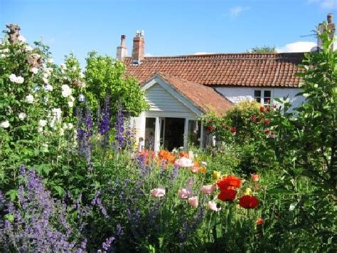 In An English Country Garden  Picture Of York Cottage