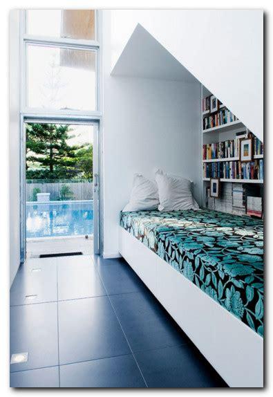 kreasi desain ruang baca  nyaman  bagus desain rumah unik