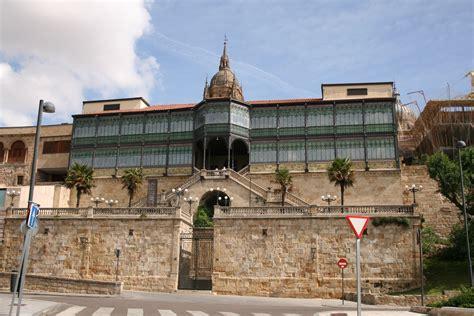 Casa Lis by Casa Lis Montanesa