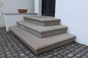 Treppenstufen Außen Granit : hamburger rundprofilstufen rebmann betonsteinwerk ~ Frokenaadalensverden.com Haus und Dekorationen