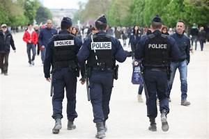 Uniforme Police Nationale : tat d urgence les policiers auront aussi le droit de venir se doucher chez vous quand ils ~ Maxctalentgroup.com Avis de Voitures