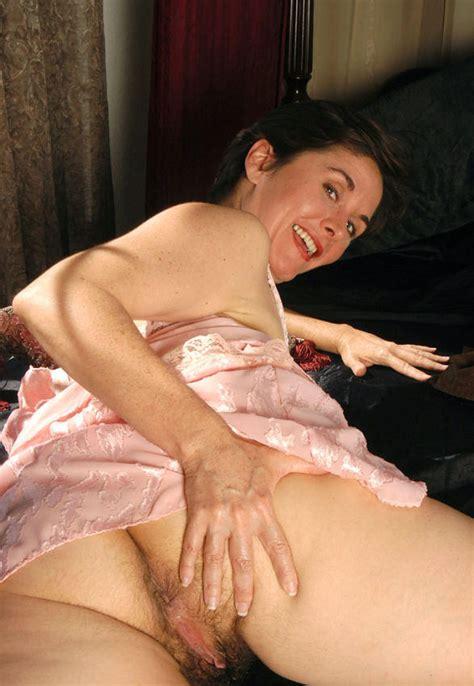 Leslie Mature Hairy Pornhugocom