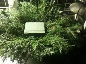 Weihnachtsdeko Für Draussen Selbst Gemacht : weihnachtsgesteck selber machen eine anleitung youtube ~ Orissabook.com Haus und Dekorationen