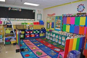Love the use of color. | Classroom Decor | Pinterest ...