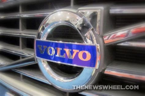 badge    volvo logo  male gender
