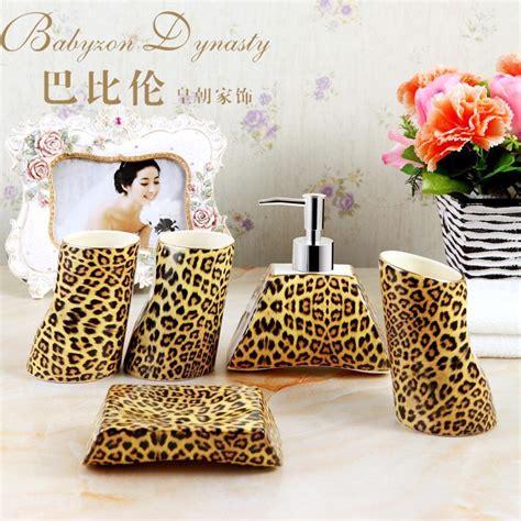 Cheap Cheetah Bathroom Set by Kaufen Gro 223 Handel Leoparden Badezimmer Set Aus