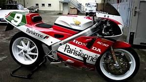 Honda Rc 30 : honda rc30 vfr750r walk round 25 year start up sound youtube ~ Melissatoandfro.com Idées de Décoration