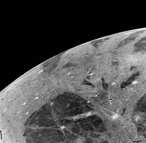 Ganymede - Voyager 2