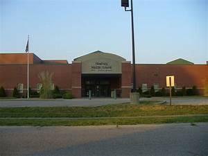 File:Newburg Middle School.jpg
