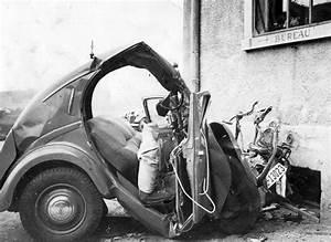 Bellerive Automobile : pr s de v senaz 120 km l 39 heure une auto se jette contre une maison notre histoire ~ Gottalentnigeria.com Avis de Voitures