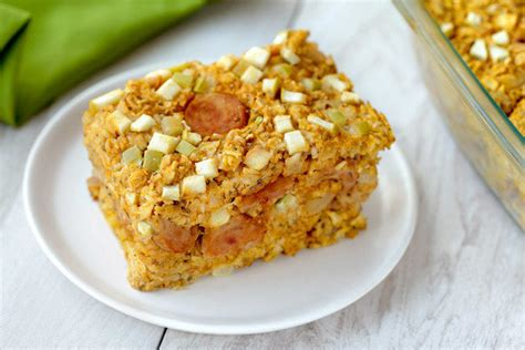 Plus, it seems especially fitting for fall. Healthy Savory Oat Bake Recipes: Chicken Sausage & Apple, Cheesy Mushroom | Hungry Girl