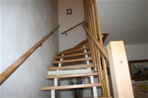 treppengeländer aus holz treppengel 195 164 nder im treppenhaus bauunternehmen