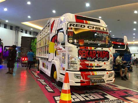Modifikasi Isuzu Elf Ramaikan Jogjakarta Truck Festival