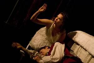 Inconstant MoonInconstant Moon – Romeo & Juliet