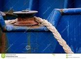 Corda dell'ancoraggio fotografia stock. Immagine di cavo ...