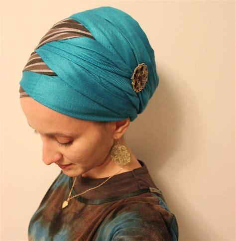 criss cross headwrap heaven foulard attacher