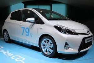 Toyota Yaris Hybride France : co2 la toyota yaris hybride championne 2013 enviro2b ~ Gottalentnigeria.com Avis de Voitures