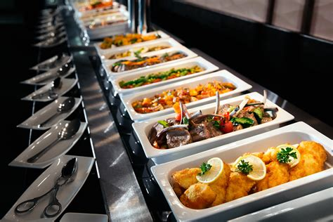 buffet de cuisine fly emirates flight catering also operates several food