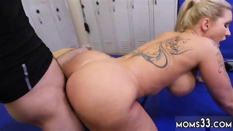 Real Sex Perfect Amateur Dominant Milf Gets A Creampie