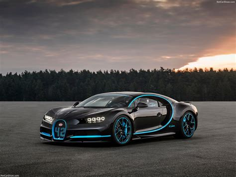 Not only do our hd wallpapers fill your desktop with high quality images, but they are also compatible on the smaller screens of android and iphone. Bugatti Chiron (2017) - picture 16 of 154