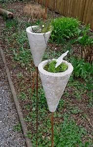 Garten Weihnachtlich Dekorieren : deko aus beton f r den garten gartenstecker aus beton ~ Michelbontemps.com Haus und Dekorationen