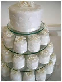 wedding cake and cupcakes delicious wedding cake cupcakes ideas delicious wedding cake cupcakes pictures