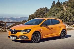 Renault Mégane 4 Rs : new renault megane rs 2018 review pictures auto express ~ Medecine-chirurgie-esthetiques.com Avis de Voitures