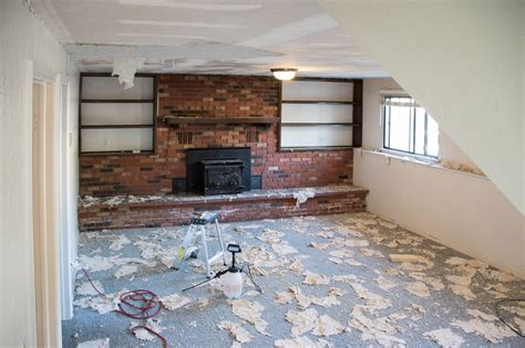 Scraping Popcorn Ceilings Removing The Carpet The Wood